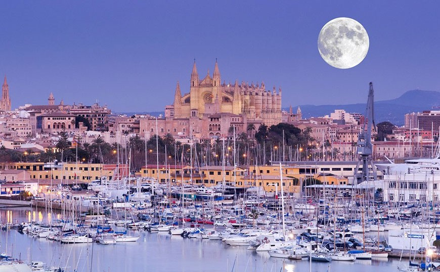 Palma will be the first city to ban the holiday rentals in flats