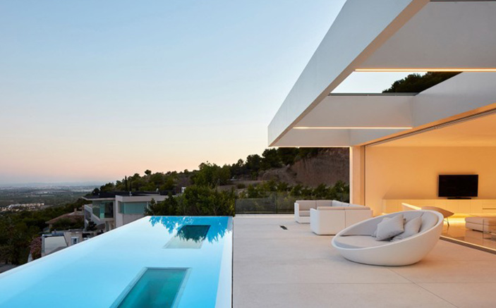 How to request a mortgage if we do not live in Spain?